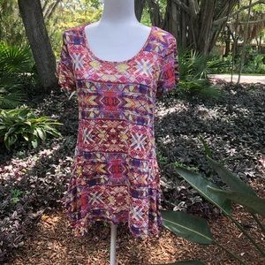 Cable & Gauge Colorful Flowing Tunic Top
